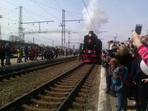 Беженцы угнали поезд