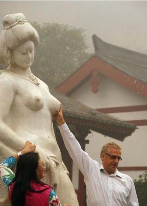 Иностранному отребью – не место в китае