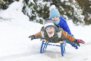Как развлечь себя в зимнее время? покататься на тюбингах