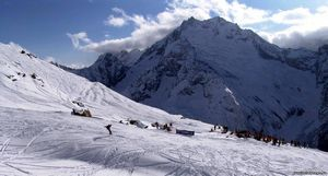 Лучшие горнолыжные курорты россии. домбай