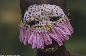 Модные «тренды» эфиопии: редкие фотографии племен сурма и мурси