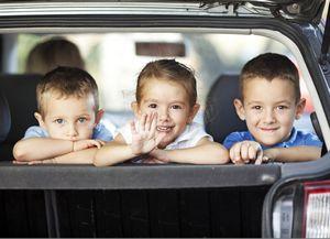 Топ-10 занятий с ребенком в машине