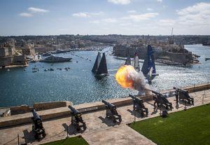 Уже в 35 раз мальта станет отправной точкой и местом финиша гонки the rolex middle sea race