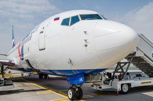 В анталии торжественно встретили первый самолет с туристами из рф